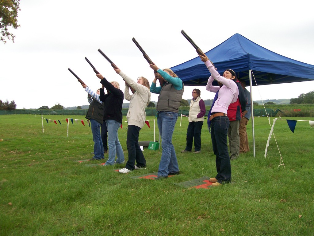 Clay Pigeon Shooting (Shotgun Shooting Sports)
